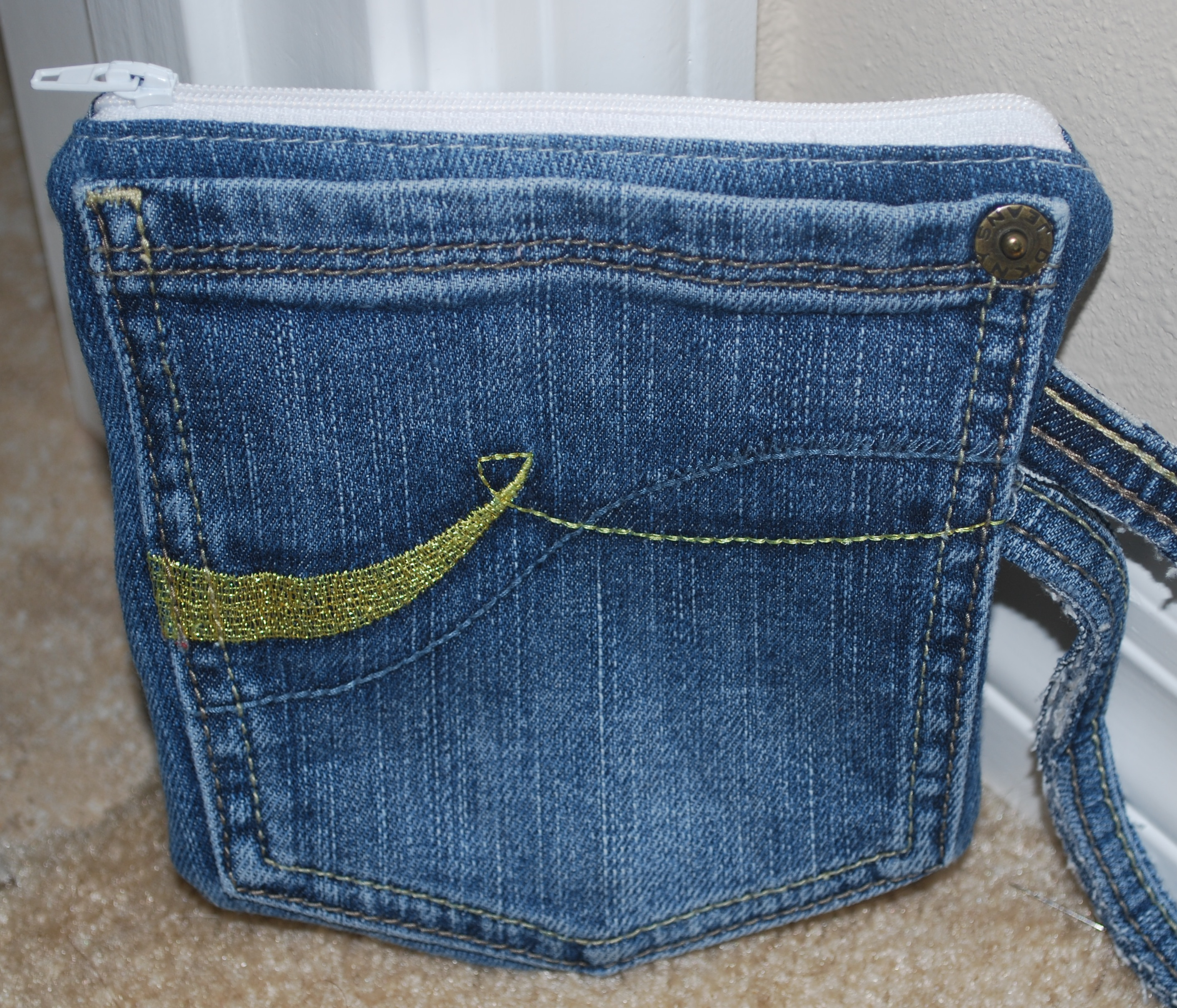 Tutorial Recycled Jeans Pocket Pouch! - Raspberry Sunshine