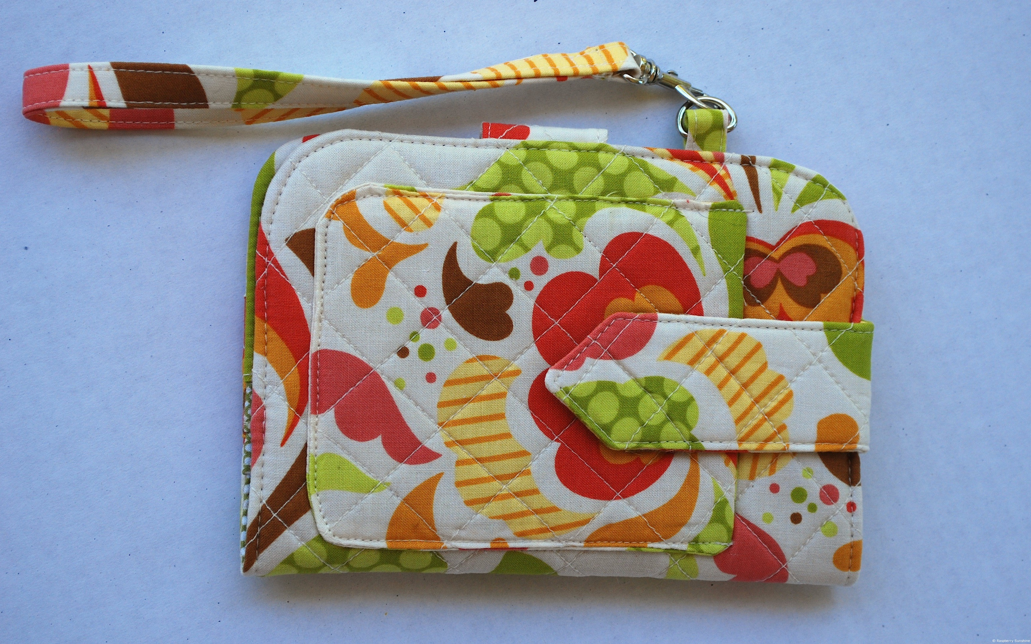 Introducing greenbacks wallet trio by sew sweetness raspberry if youre looking for a new challenge or need a new wallet give this pattern a try you wont be disappointed i am getting ready to get more of this jeuxipadfo Image collections