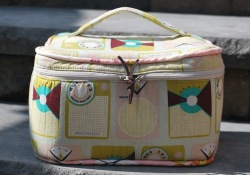 New Pattern ~ Crimson & Clover Train Cases by Sew Sweetness ~