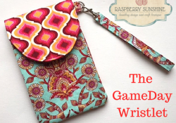 *NEW* Free Pattern! ~ The GameDay Wristlet ~