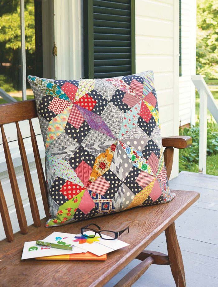 Quilt Lovely - Mrs. Bannister's Star Pillow beauty image